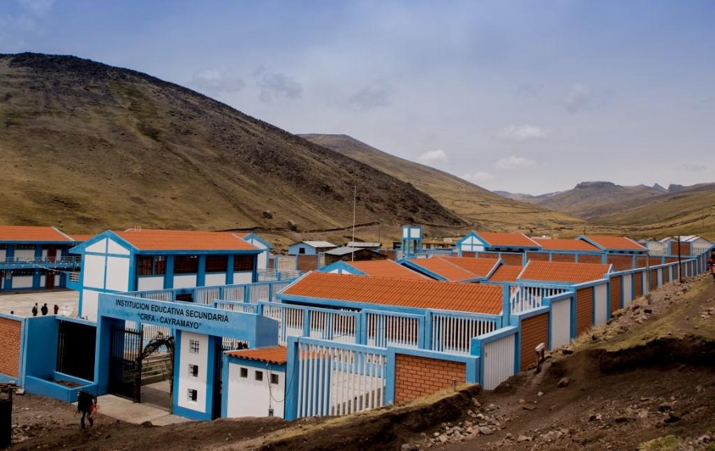 PERU LNG contribuye para la construcción del Colegio de Alternancia de Cayramayo